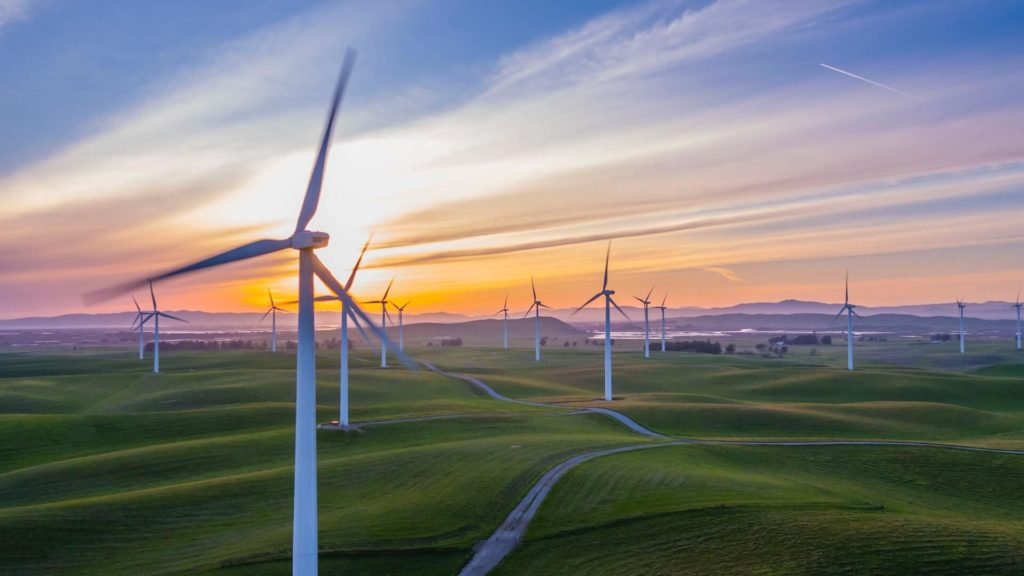 Turbina de viento como ejemplo de energías renovables en el desarrollo sustentable